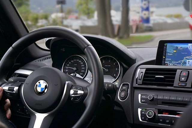 BMW 3er cockpit with navigation device