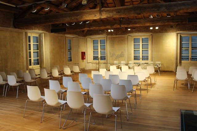 modern event-location with white chairs